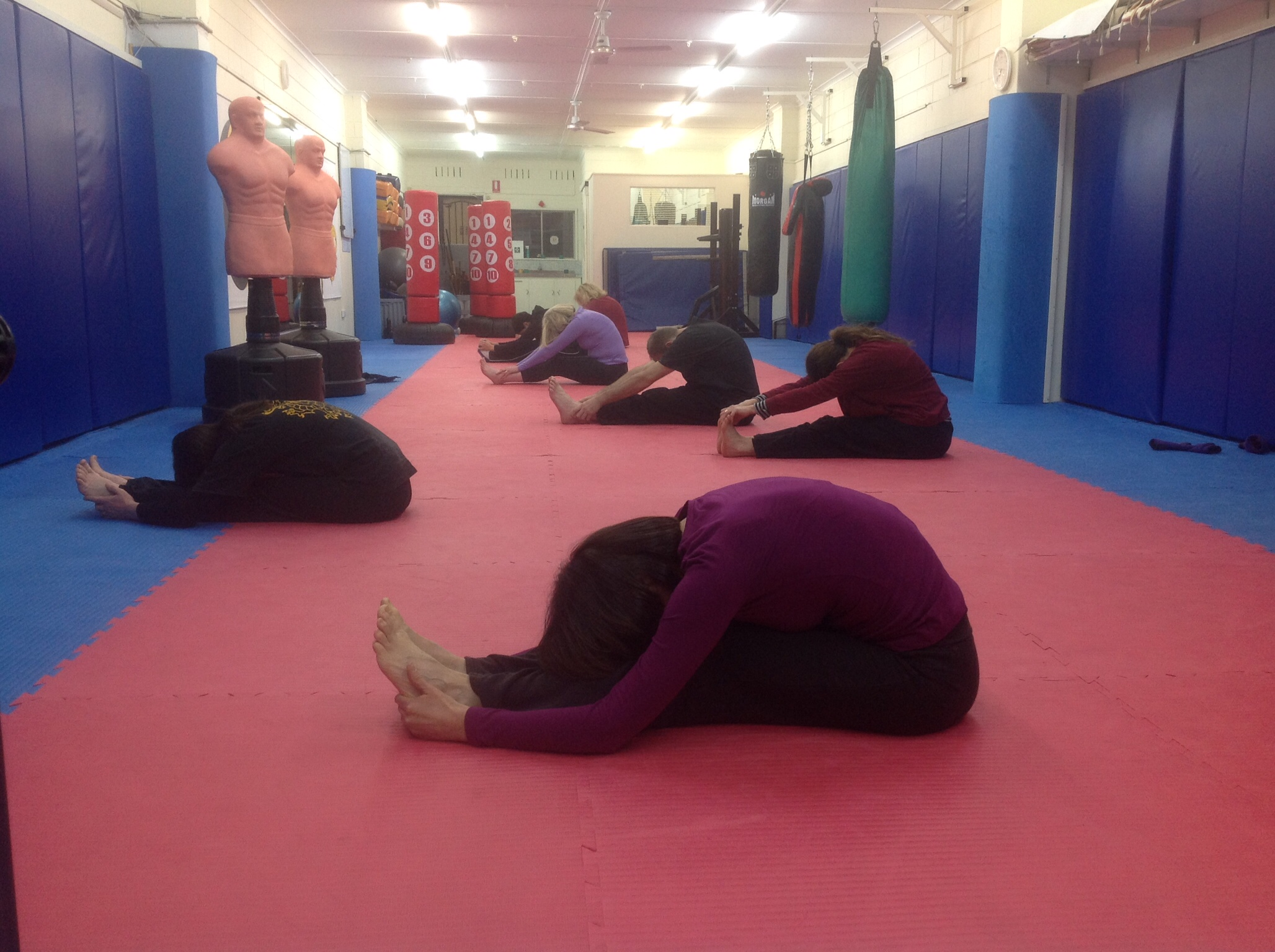 Martial Yoga-Head-Knees